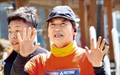 """""""한국 정치 망가뜨려""""…안철수 '일침'"""
