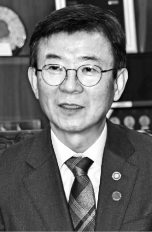 """문성혁 해수부 장관 """"중소 해운사 돕겠다…HMM 정상화 총력"""""""