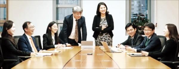 왼쪽부터 임지영, 정환, 최정윤, 박정원, 김지연, 정영태, 최호열, 권정원 변호사.  광장 제공