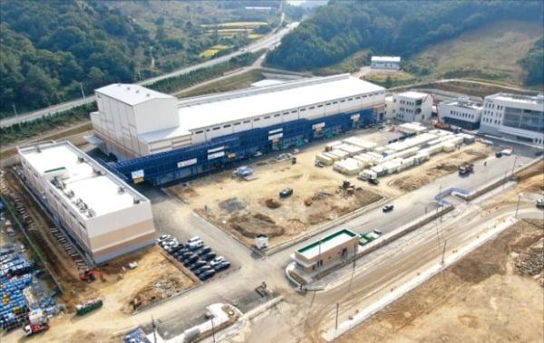 2177억원을 투입해 충남 세종시에 짓고 있는 포스코케미칼 음극재 2공장 전경.  포스코케미칼 제공