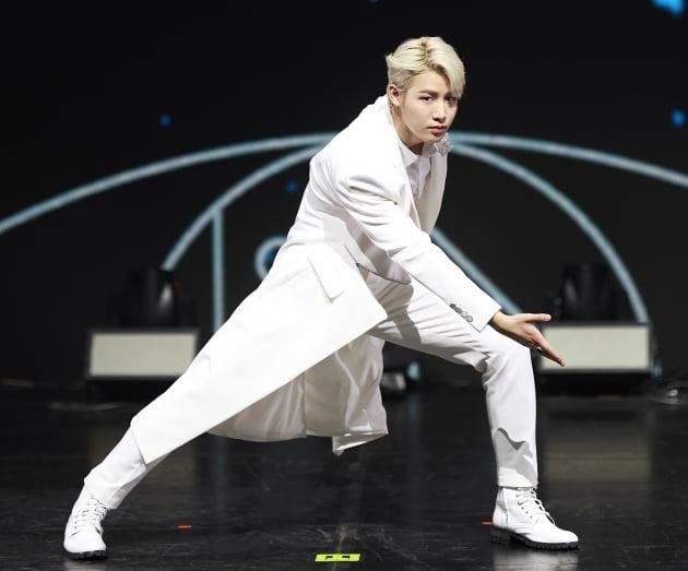 [TEN 포토] TOO(티오오) 경호, '만화 찢고 나온 비주얼'