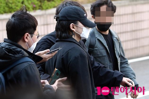 [TEN 포토] 노엘 '얼굴 꽁꽁 감추고 귀가'