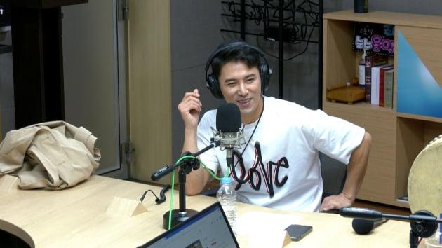 라디오 '9595쇼'에 출연한 트로트가수 장민호/ 사진제공=TBS FM
