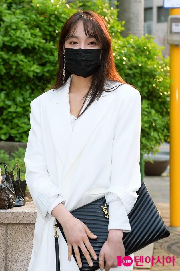 [TEN 포토] 네이처 새봄 '가려도 예뻐요'