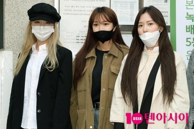 [TEN 포토] 네이처 루X소희X채빈 '마스크 너머 보이는 예쁨'