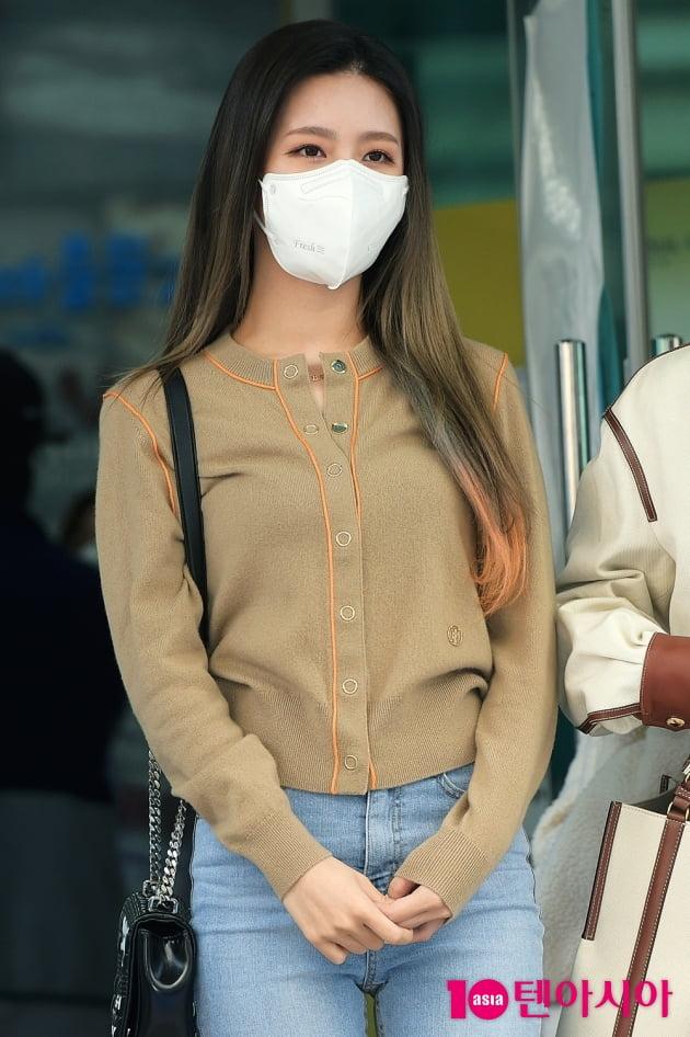 [TEN 포토] 여자아이들 미연 '얼굴보다 큰 마스크'