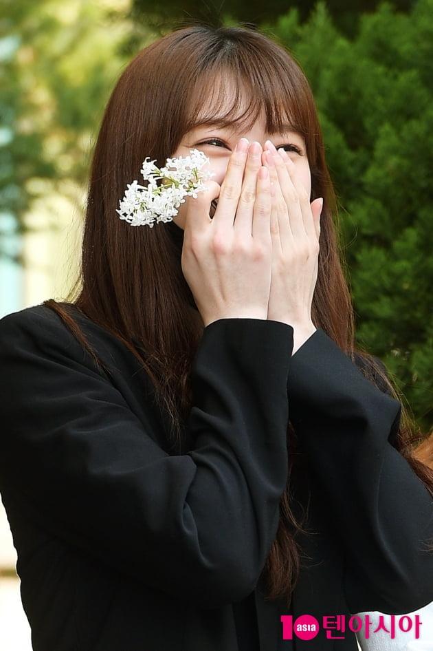 [TEN 포토] 로켓펀치 수윤 '꽃을 닮은 미소'