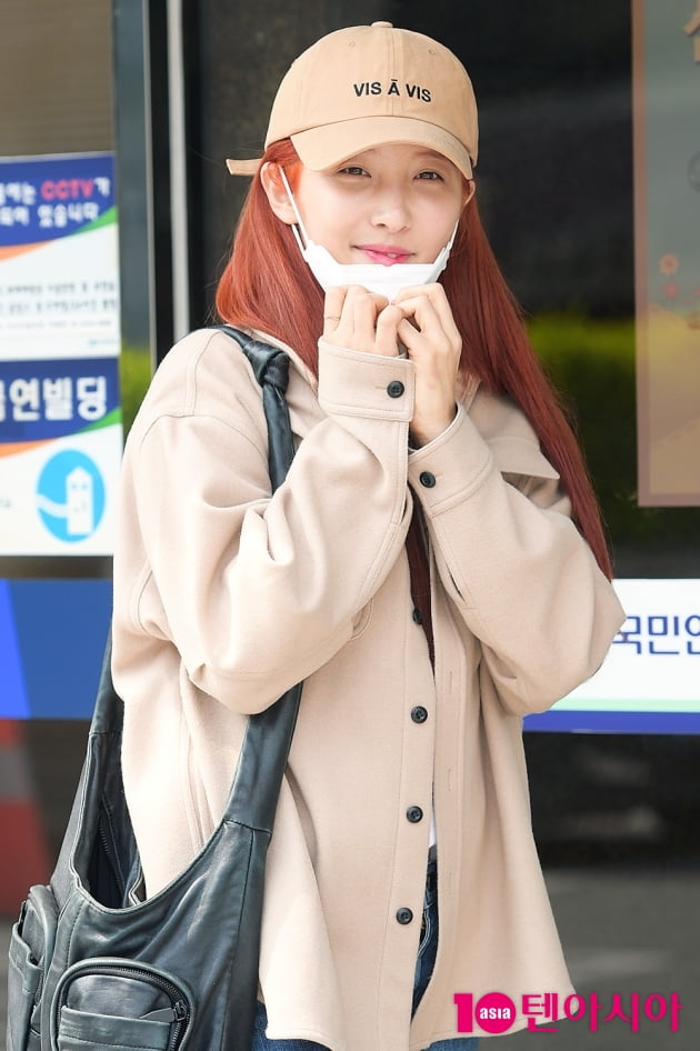 [TEN 포토] 손지현 '연한 화장에도 빛나는 미모'