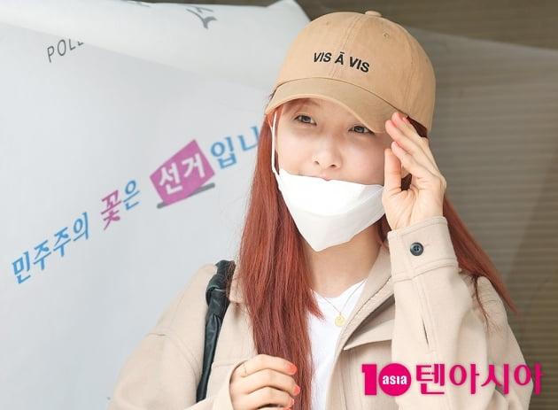 [TEN 포토] 손지현 '투표소에서 미모 자랑~'