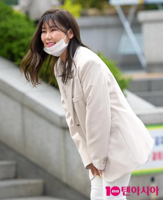 [TEN 포토] 송가인 '친절한 인사'