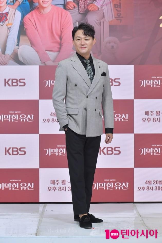 [TEN 포토] '기막힌 유산' 남성진 '멋스러운 중년'