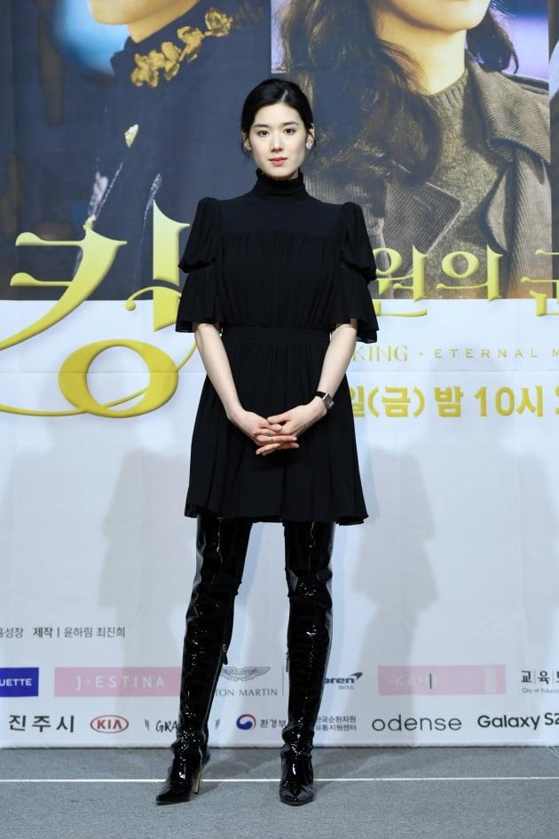 배우 정은채는 '더 킹'에서 대한제국 최연소이자 최초 여성 총리 구서령으로 분한다. /사진제공=SBS