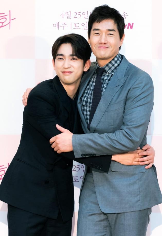 [TEN 포토] '화양연화' 박진영, '유지태 선배 좋아'