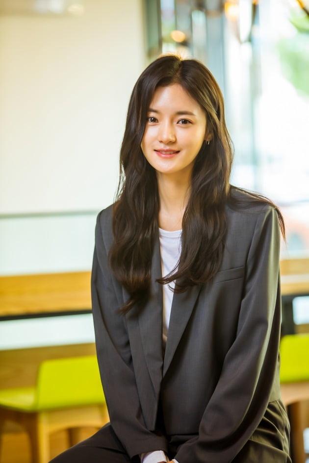 tvN 토일드라마 '하이바이, 마마!'(이하 '하바마')에서 차유리(김태희 분)의 죽음으로 절망하던 조강화(이규형 분)에게 찾아온 두 번째 가족이자, 서우(서우진 분)의 새로운 엄마 오민정 역으로 열연한 배우 고보결. /사진제공=HB엔터테인먼트