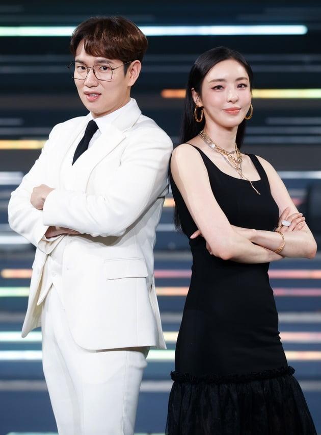 '로드 투 킹덤' MC 장성규(왼쪽)와 이다희/ 사진=Mnet 제공