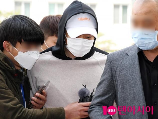 박유천, 은퇴 번복한 당당함 버리고 성폭행 배상금 감치재판 출석 (종합)
