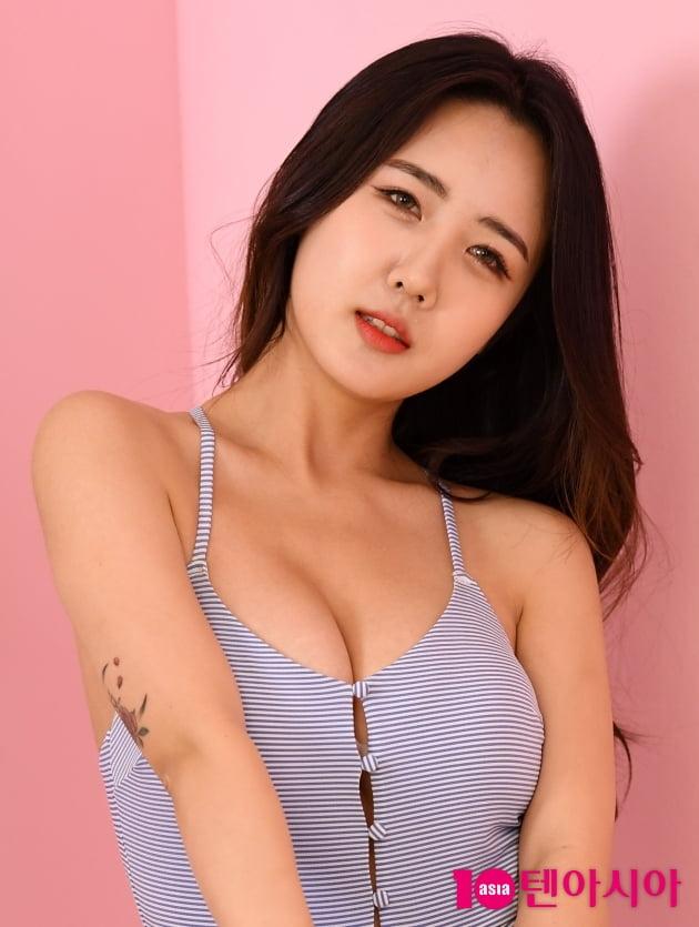 [TEN 포토] 윤주 '도발적인 눈빛'