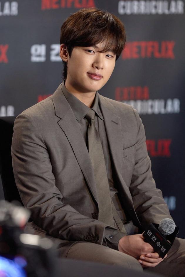 배우 김동희는 '인간수업'에서 상상치도 못할 범죄에 발을 담근 모범생 지수 역을 맡았다. /사진제공=넷플릭스