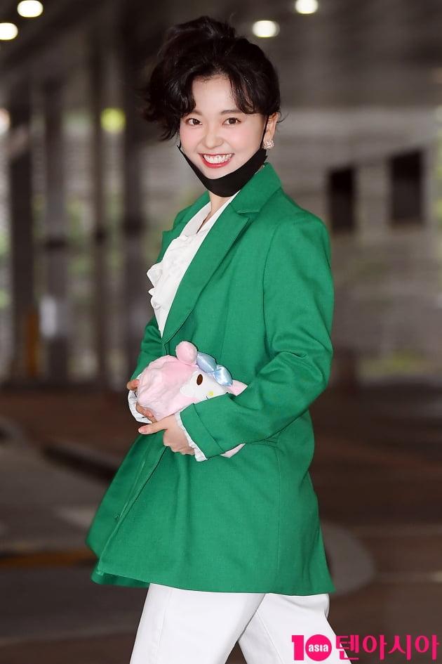 [TEN 포토] 요요미 '귀요미 미소'