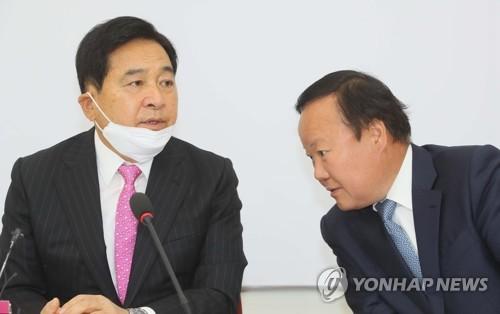 보수재건 중책 맡는 김종인, '통합당 체질 바꾸기' 고심