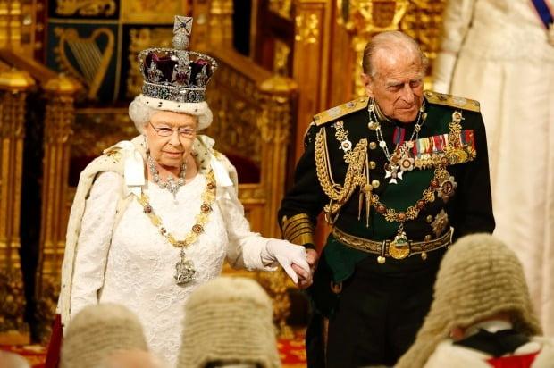 엘리자베스 2세 영국여왕과 필립공(사진=연합뉴스)