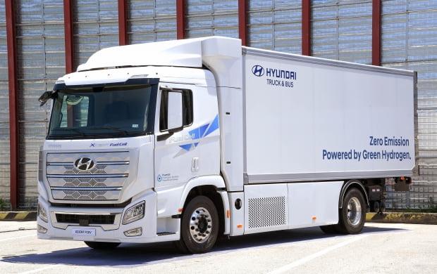 현대차가 생산하는 대형 수소전기 트럭. 사진=현대차