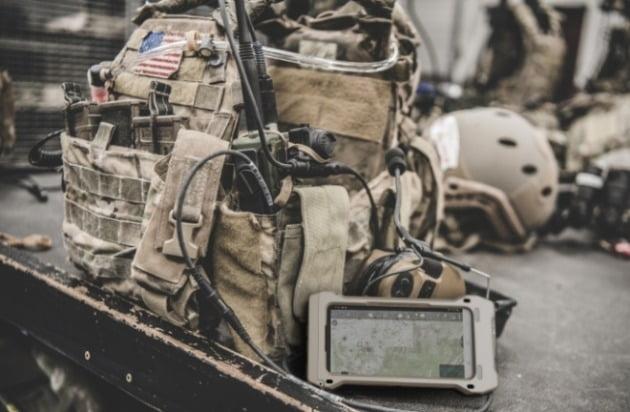 삼성전자가 자사 전략 스마트폰인 갤럭시S20을 미군용으로 제작한 '갤럭시S20 택티컬 에디션(갤럭시S20 TE)'을 21일 공개했다. [사진=삼성전자]