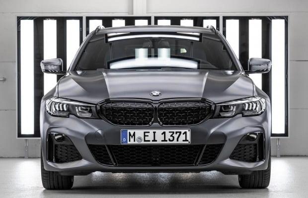 BMW 코리아가 M340i 퍼스트 에디션 40대를 국내 선보인다. 사진=BMW