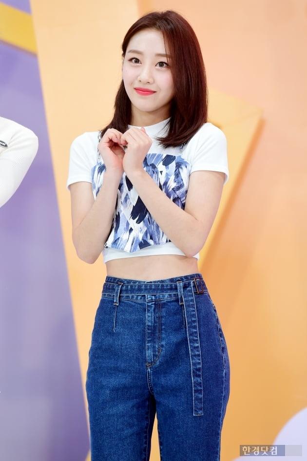 [포토] 이달의 소녀 이브, '잘록한 개미허리 뽐내며~'