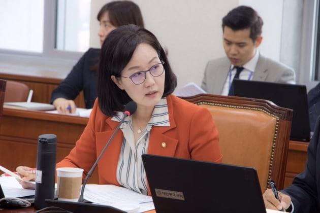 """김현아 """"민주당 고집불통, 솔직히 이해 안돼"""""""