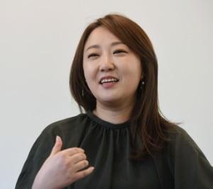 서혜욱 블루보틀코리아 대표가 블루보틀 성수 1호점에서 인터뷰 하고 있다. 신경훈 기자 khshin@hankyung.com