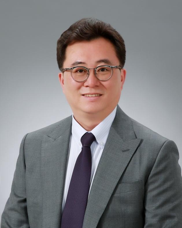 서울교총 신임회장에 김성일 창문여고 교사 선출