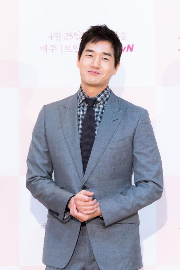 유지태 기부 / 사진 = tvN