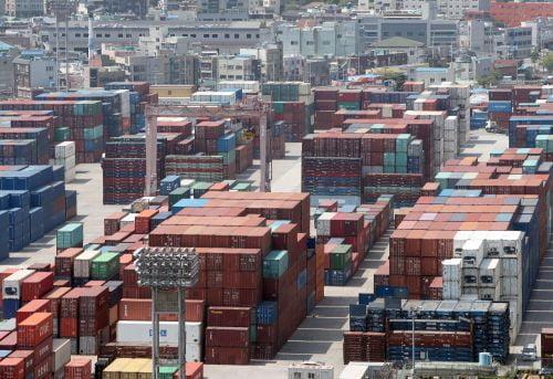 코로나19가 무역에 미친 영향… 5월 1∼10일 수출 46.3%↓