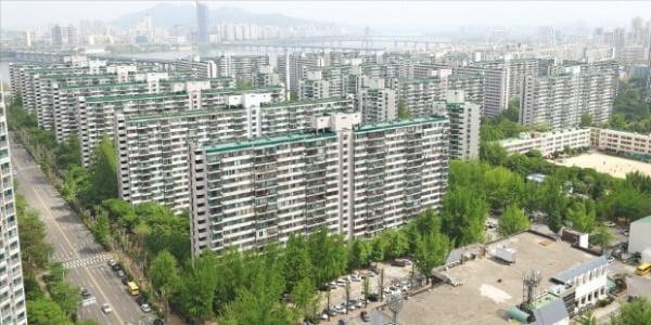 지난달 4·15 총선 이후 서울 강남 재건축 아파트에서 쏟아졌던 급매물이 최근 대부분 소화됐다. 송파구 잠실주공5단지. /연합뉴스