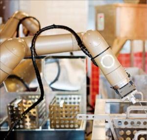 롸버트치킨의 요리 로봇