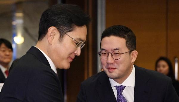 이재용 삼성전자 부회장(왼쪽)과 구광모 LG그룹 회장. / 사진=한경 DB