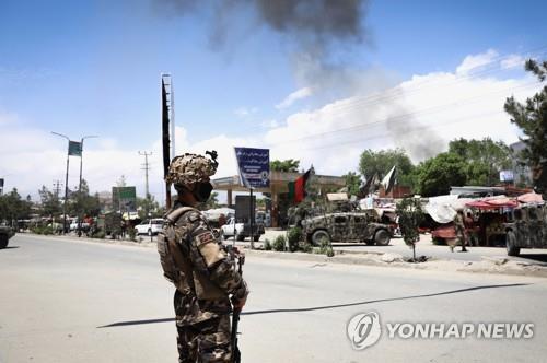 """아프간 카불서 무장 괴한, 병원 공격…""""신생아 등 14명 사망""""(종합)"""