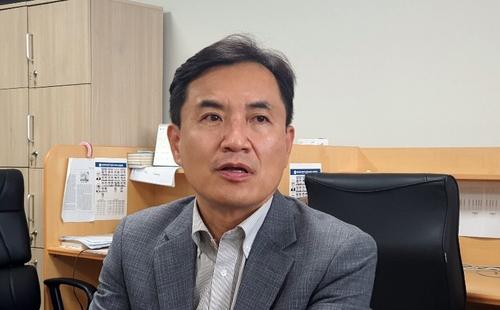 """김진태 """"춘천에 비영리 사단법인 설립""""…정치 활동 계속"""