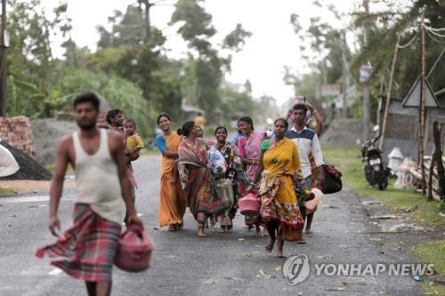 印·방글라에 '슈퍼 사이클론' 상륙…1명 사망·수백만명 대피