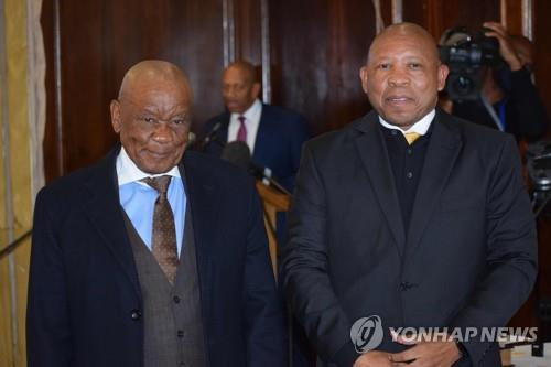 남아프리카 레소토 마조로 새 총리 취임