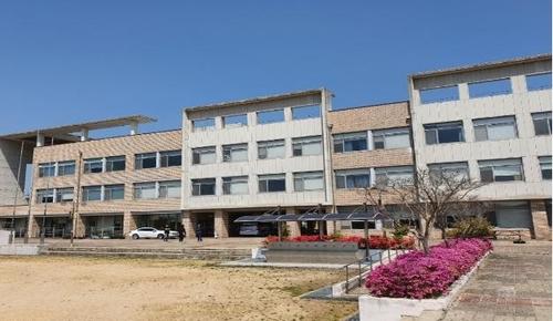 로버트 할리 설립한 광주 외국인 학교 운영난에 폐교 위기