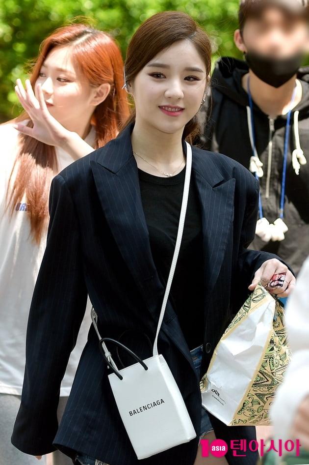 [TEN 포토] 이달의소녀 희진 '출근길도 예쁨 가득'