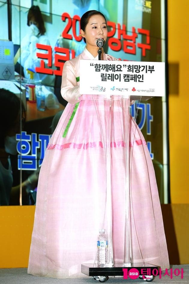 [TEN 포토] 박애리 '곱게 차려입은 한복'