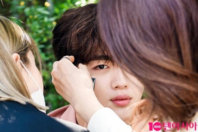 김요한 '눈빛에 치인다'