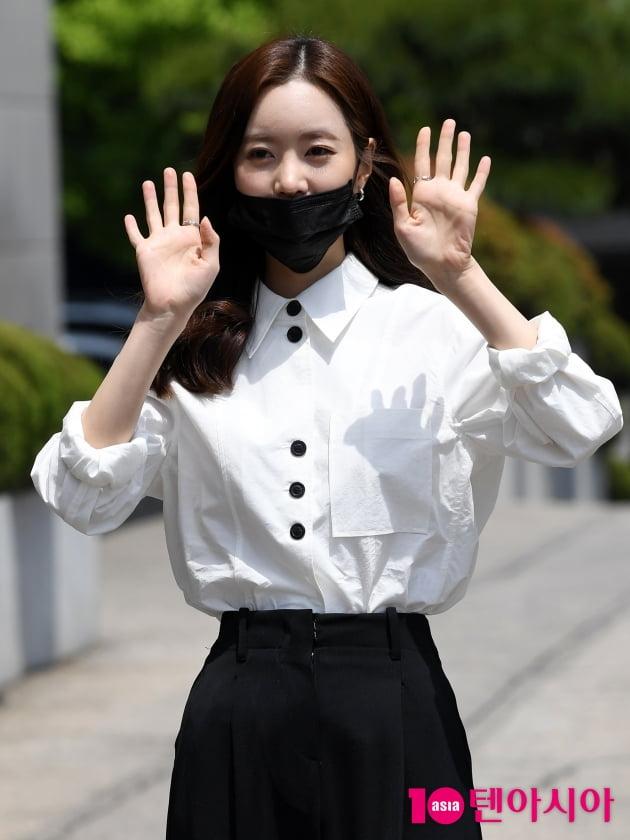 [TEN 포토] 진세연 '마스크로 가려도 이쁨 한가득'