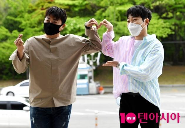 [TV텐] 김호중&안성훈 '트바로티와 트롯멋쟁이 화려한 출근길'