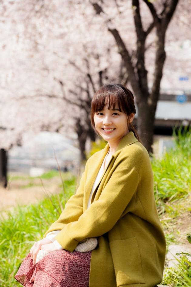 배우 유진/사진=영화 '종이꽃' 스틸