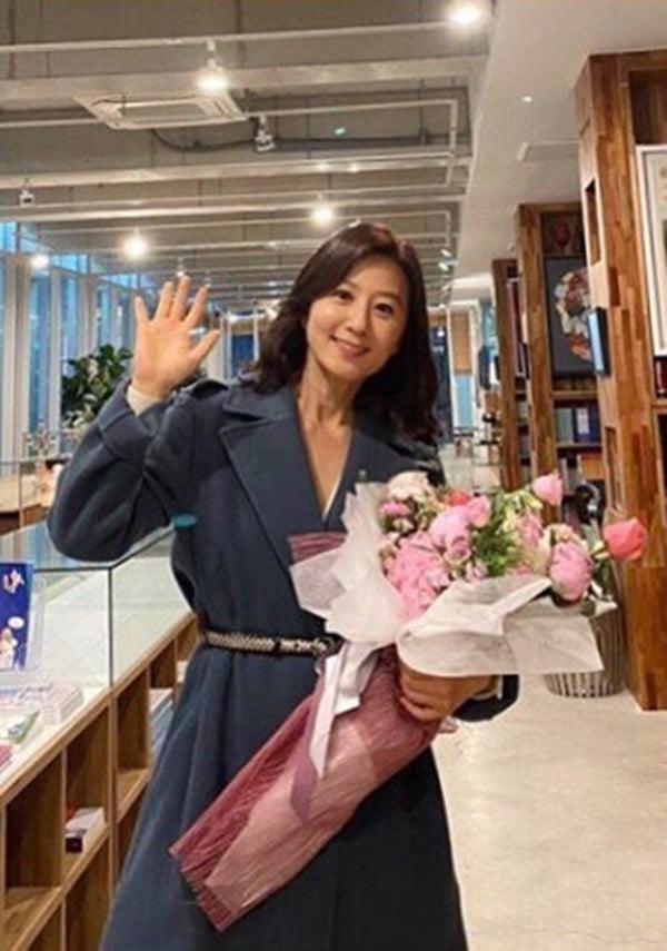 김희애 / 사진 = 김희애 인스타그램