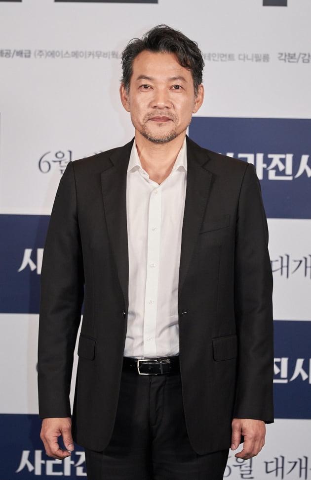 [TEN 포토] 정진영 '배우이자 감독으로 인사드려요'